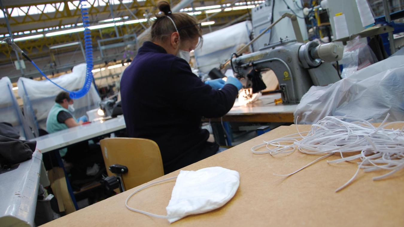 Les premiers masques ont été confectionnés mardi dans les ateliers de Lener Cordier.