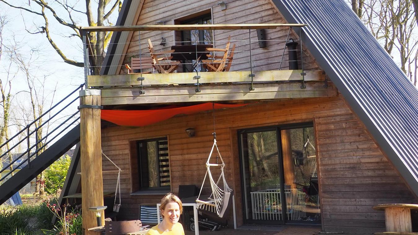 Cette maison, c'est celle de Caroline, Thomas, et Clarice.