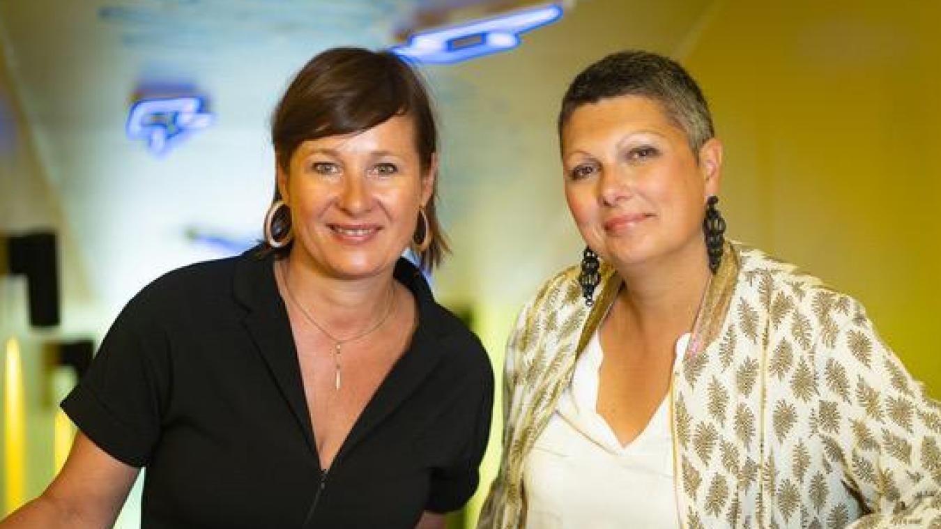 Issues de l'industrie pharmaceutique, Virginie (à gauche) et Nathalie (à droite) sont devenues coachs.