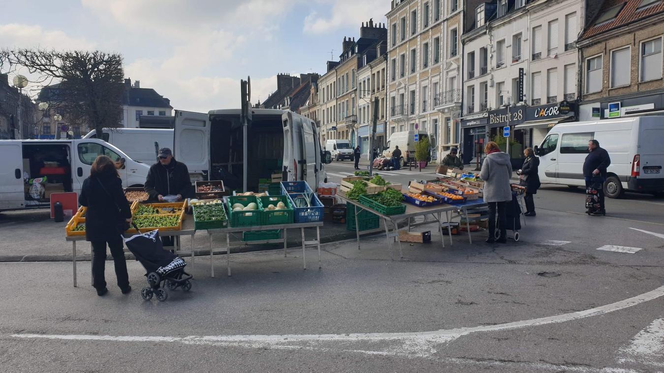 C'était samedi 21 mars 2020, un marché de Saint-Omer en mode précautions maximales contre la propagation du coronavirus.