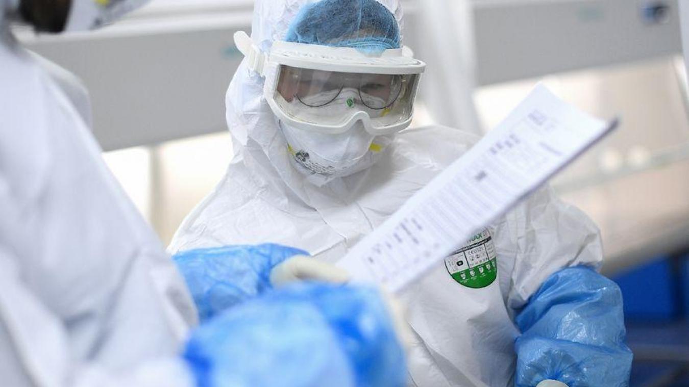 Coronavirus : faut-il envisager un confinement de six mois en France comme évoqué en Angleterre ?