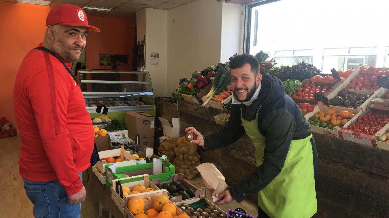 Voilà bientôt un an qu'Hasan a ouvert avec sa femme O bonheur des saveurs, boulevard Jacquard. Ils sont satisfaits de leur première année dans le centre ville.
