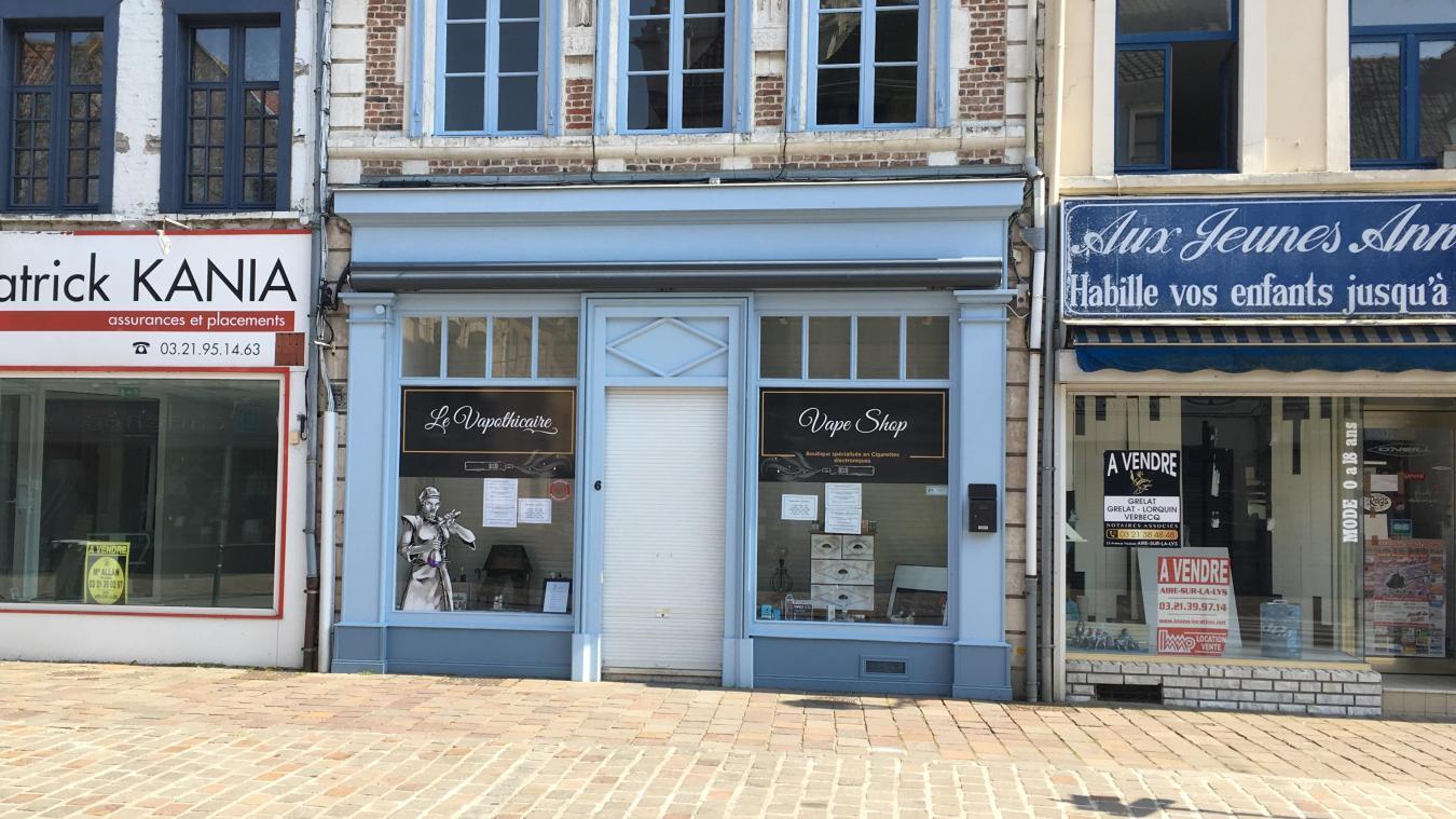 Aire-sur-la-Lys, ville commerçante a vu ses rideaux se baisser les uns après les autres. On recense les commerces de bouche ouverts.