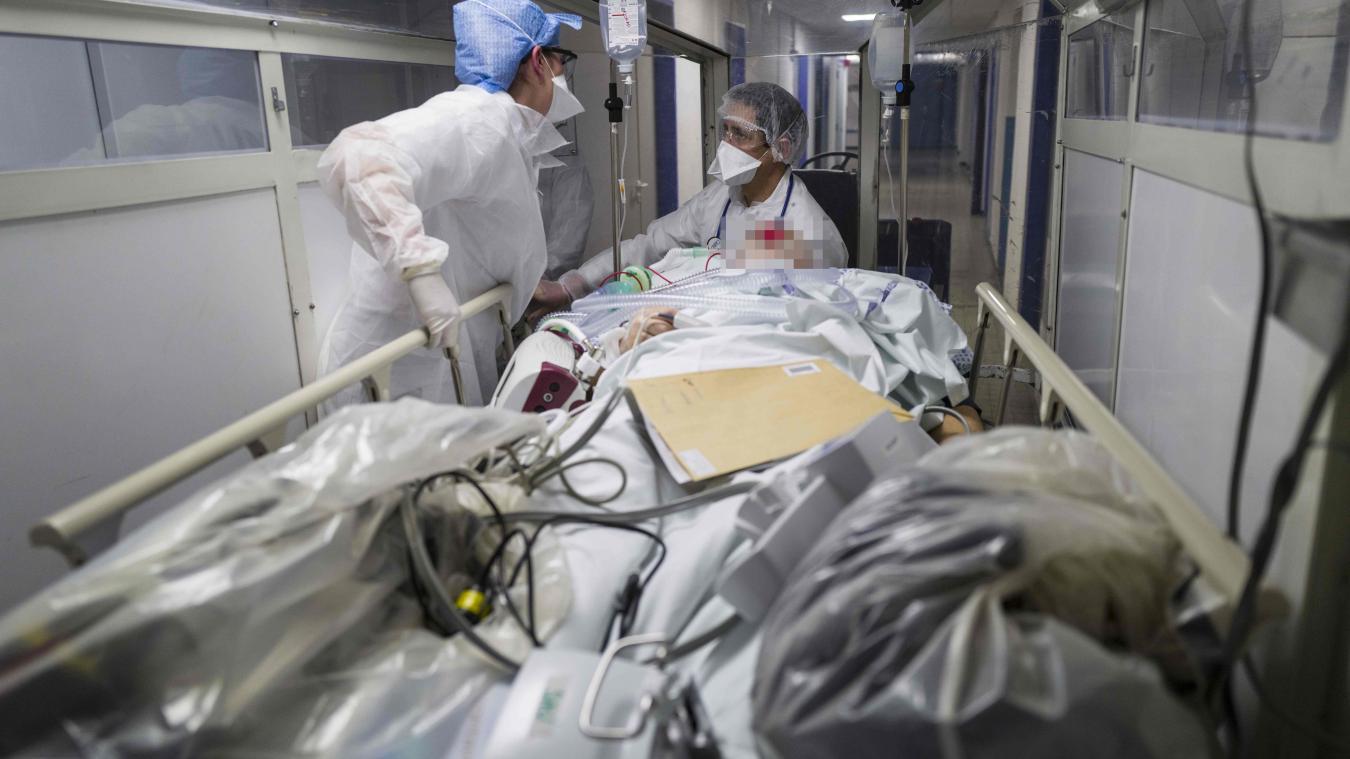 La plateforme <a href=http://www.renfort-covid.fr>www.renfort-covid.fr</a>. permet aux étudiants volontaires de venir en renfort des établissements de santé et médico-sociaux, et de réaliser des vacations au sein d'établissements de santé ou de structures médico-sociales.