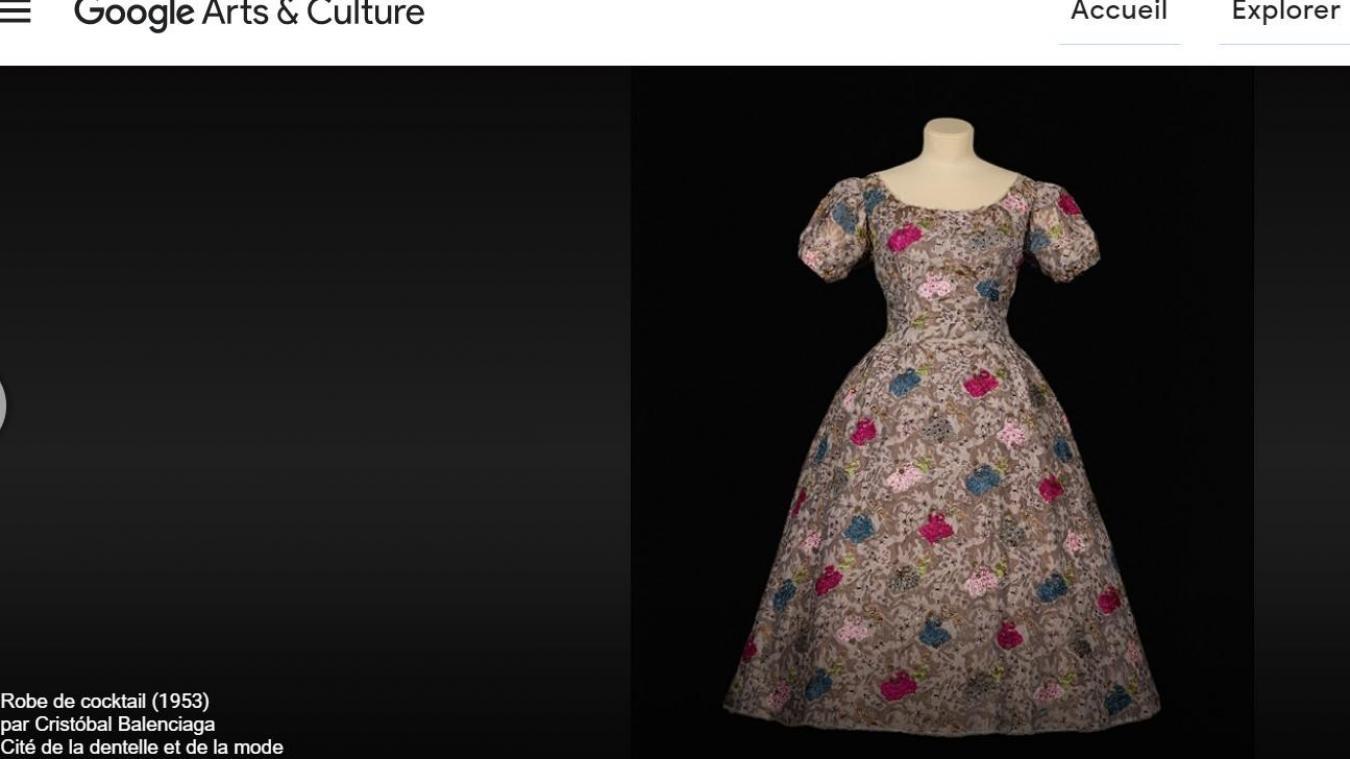 Cette robe de cocktail de Balenciaga est à découvrir en ultra haute définition.
