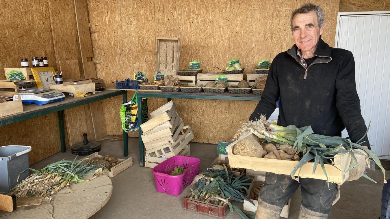 René Herf propose ses légumes bio aux détails ou en panier.