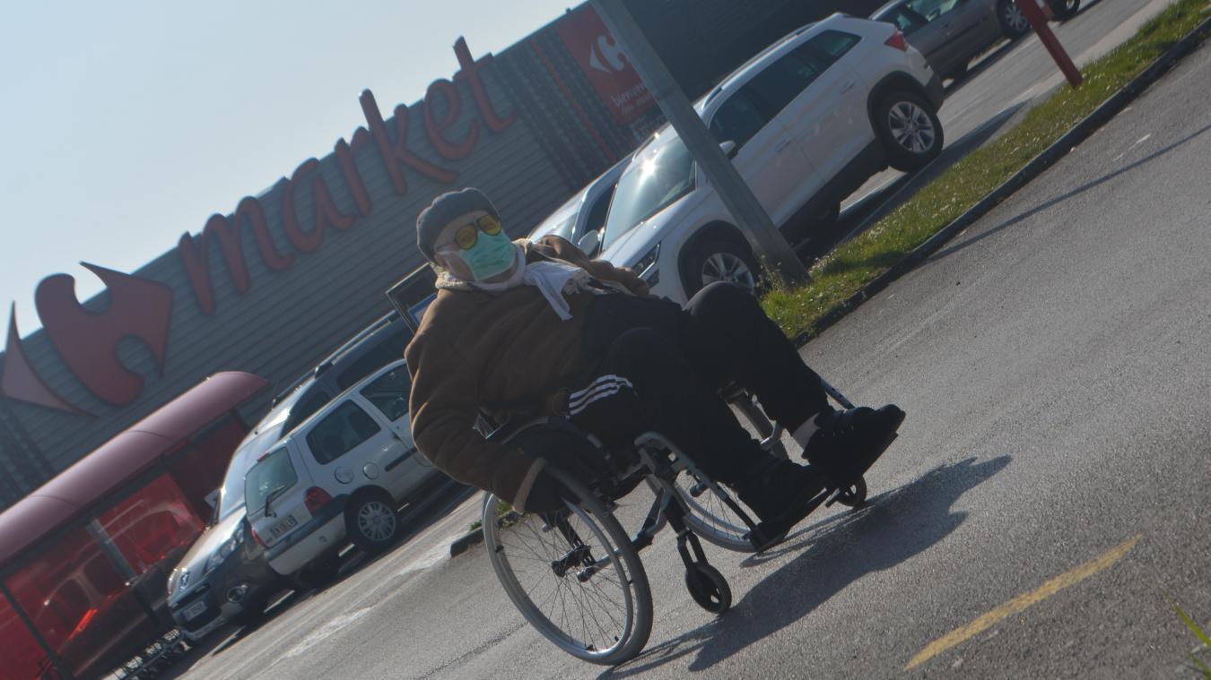 Christian Lecoester, 69 ans, n'a pas pu faire ses courses dans son supermarché habituel, empêché par la directrice.