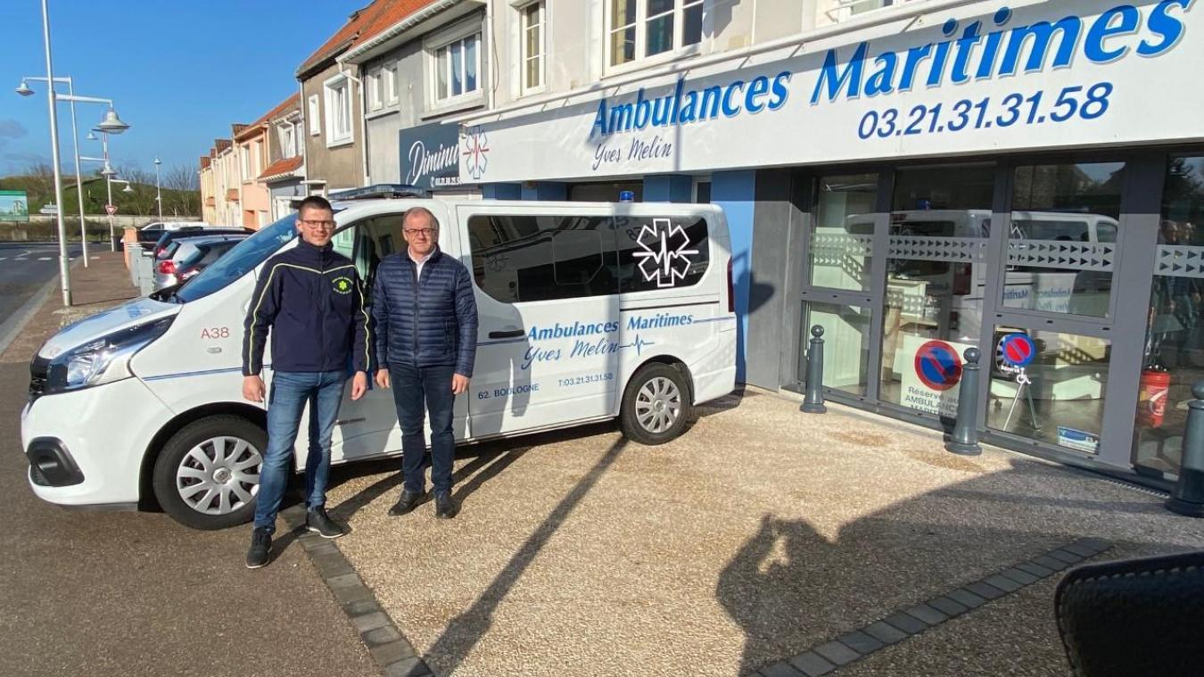 Grégoire et Yves Melin des Ambulances Maritimes remercient les donateurs.
