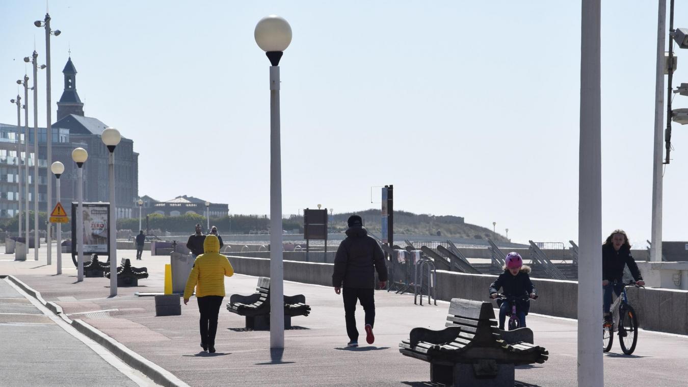 Berck-sur-Mer, mercredi 1 er  avril à 15h. La France est sensée être confinée.