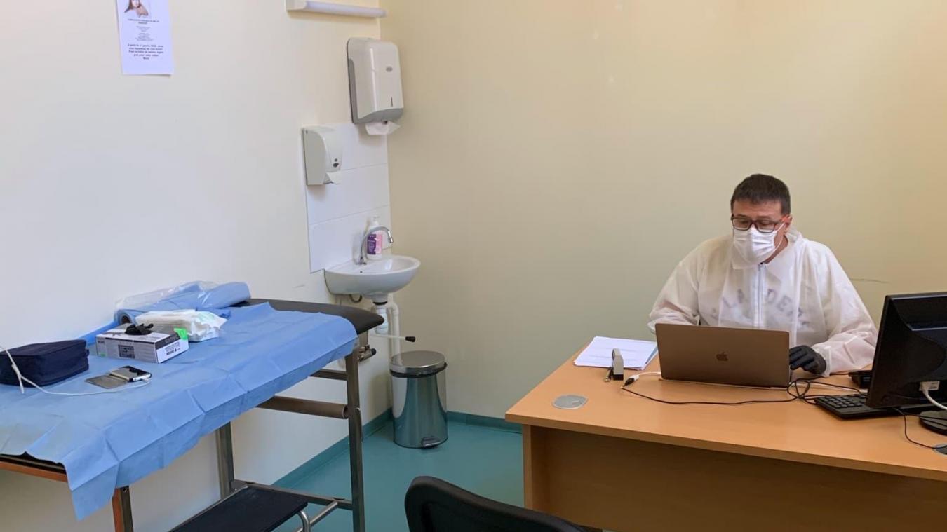 Médecins généralistes et infirmiers assurent des permanences chaque jour. La prise de rendez-vous est obligatoire.