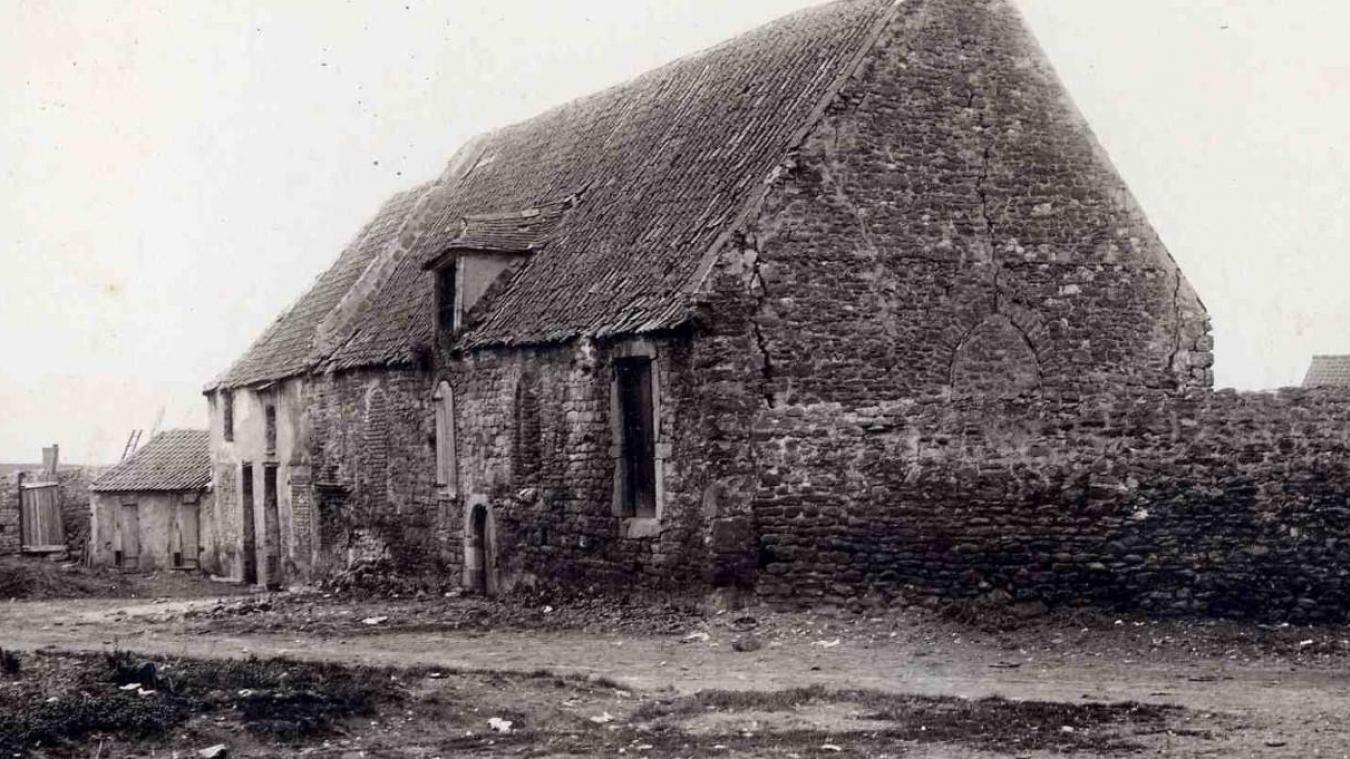 La Madeleine de Boulogne, dont la chapelle en ruine a perduré jusqu'aux années 1960, avait été érigée avant 1129 dans le quartier de Bréquerecque, dans les marécages, loin des habitations (Archives de Boulogne).