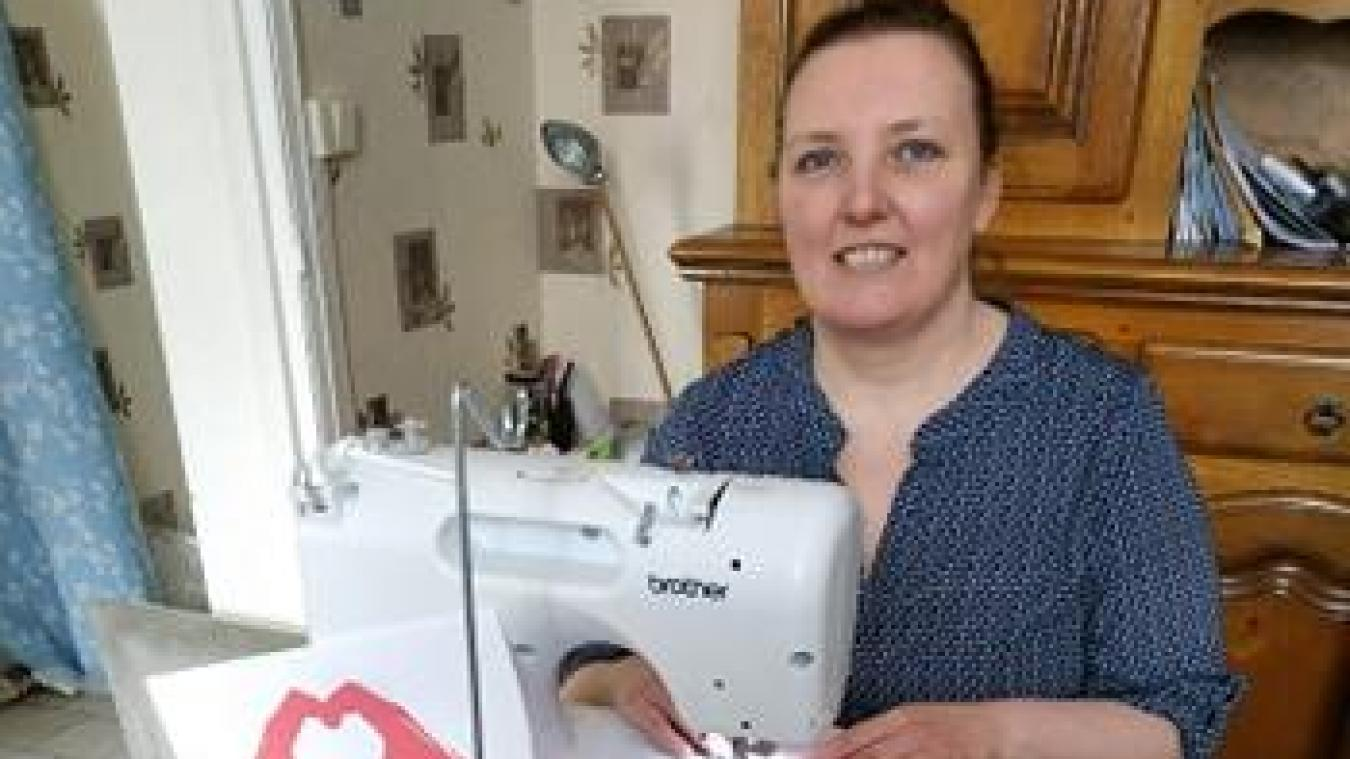 Nathalie Goffaux et son association acceptent les dons de tissu.