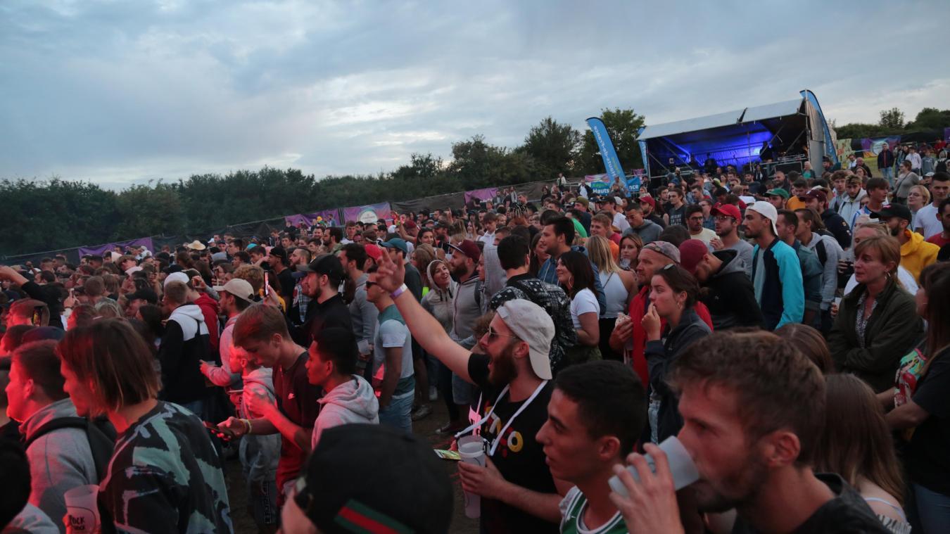 On l'espère de tout cœur, on souhaite revoir cette image de la foule devant l'immense scène du festival Rock en Stock, les 7, 8 et 9 août prochains, à Étaples-sur-Mer.