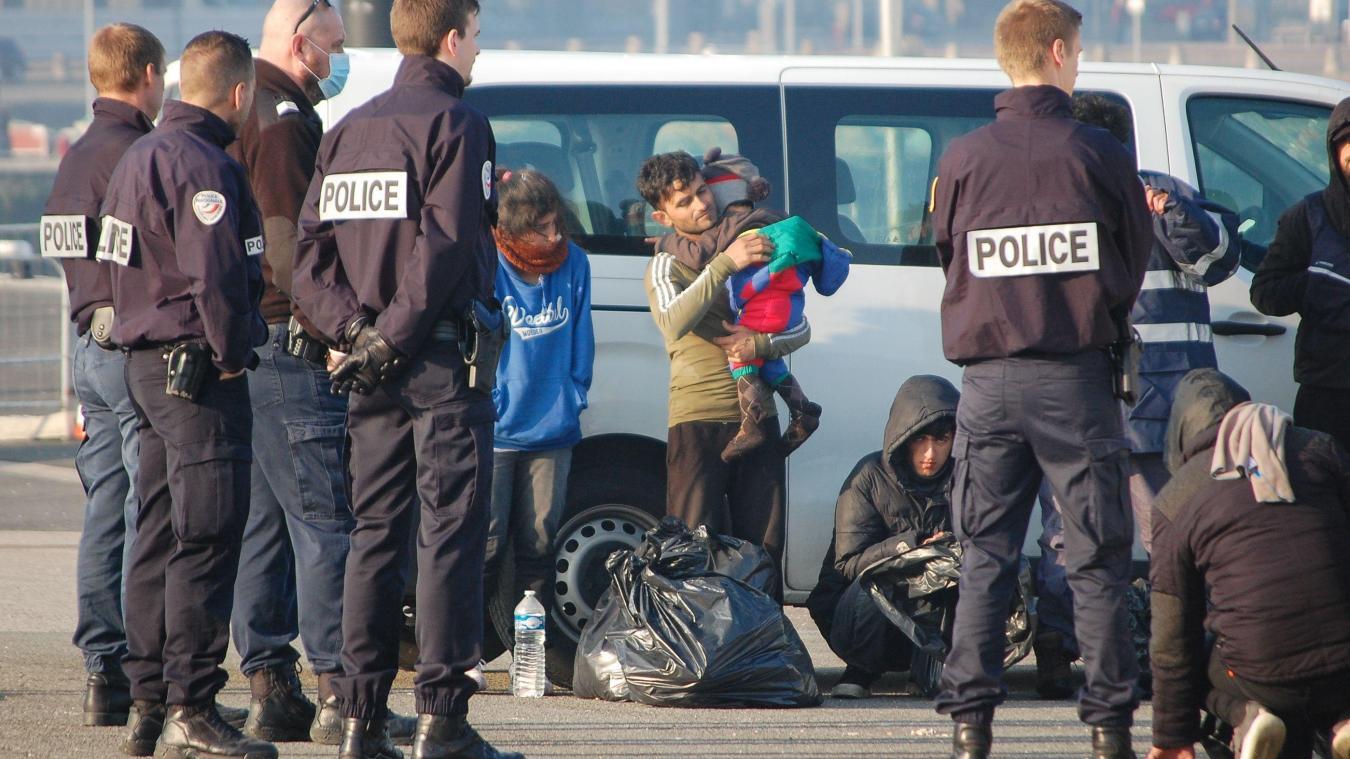 Les exilés ont été redirigés vers le port de Calais où ils ont été pris en charge par les services de la PAF.
