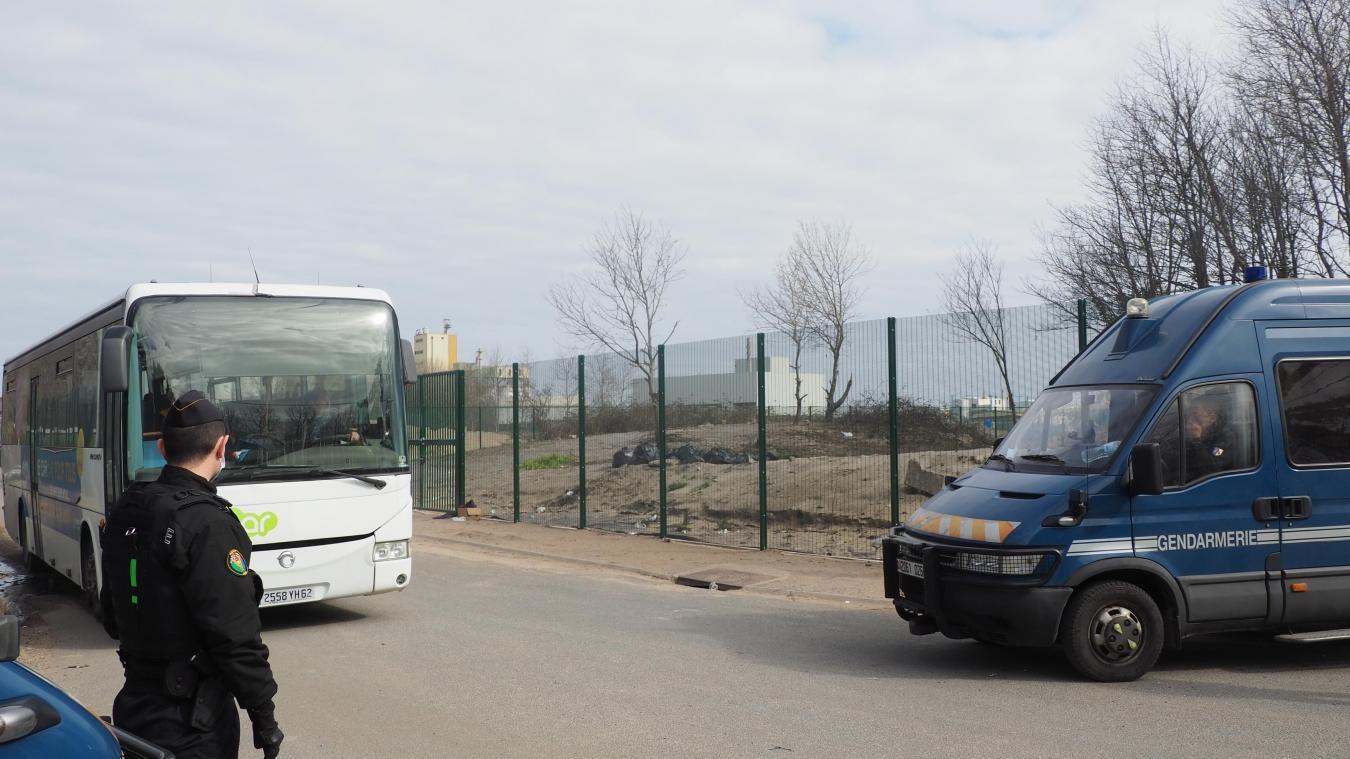 Les départs vers les centres de confinement vont continuer aujourd'hui et la semaine prochaine.