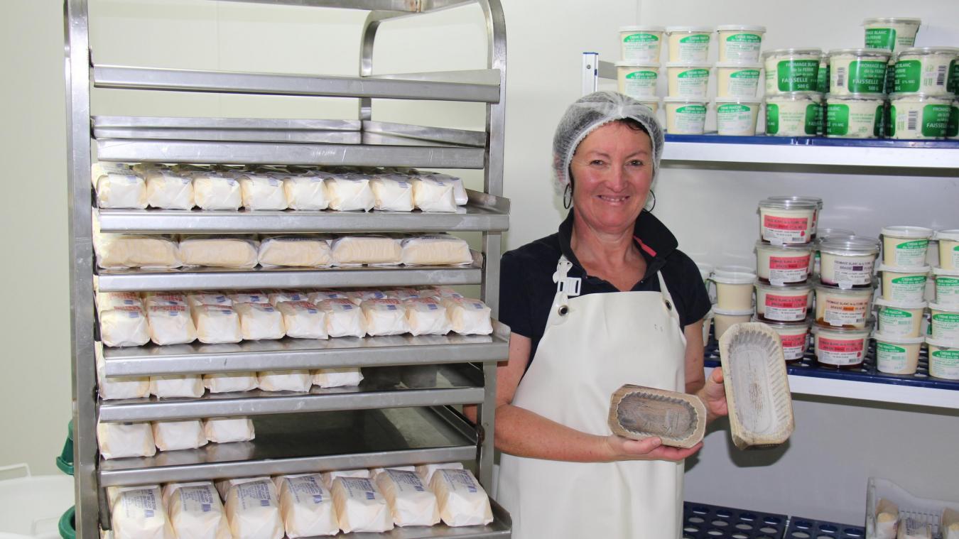 À Crémarest, Isabelle Masset de la ferme de la Caury propose aux habitants de nombreux produits laitiers.