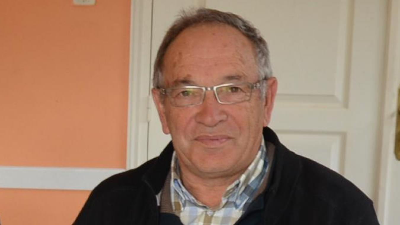 Alain Deblock, maire de Bomy, assure lui aussi des livraisons à domicile.