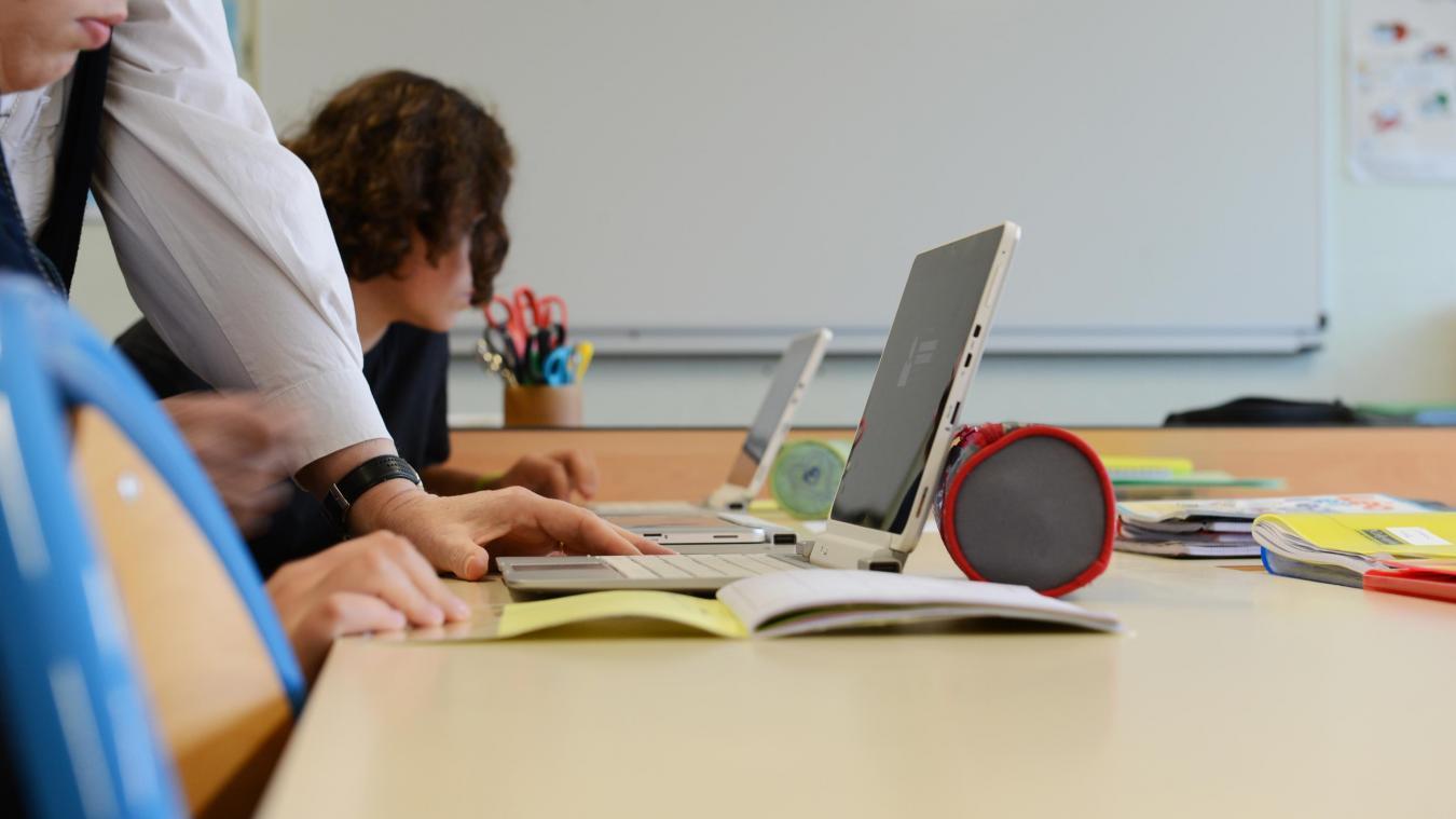 L'accompagnement des usages numériques dans les collèges publics du Pas-de-Calais, a été adopté ce 14 avril (photo : CD62).