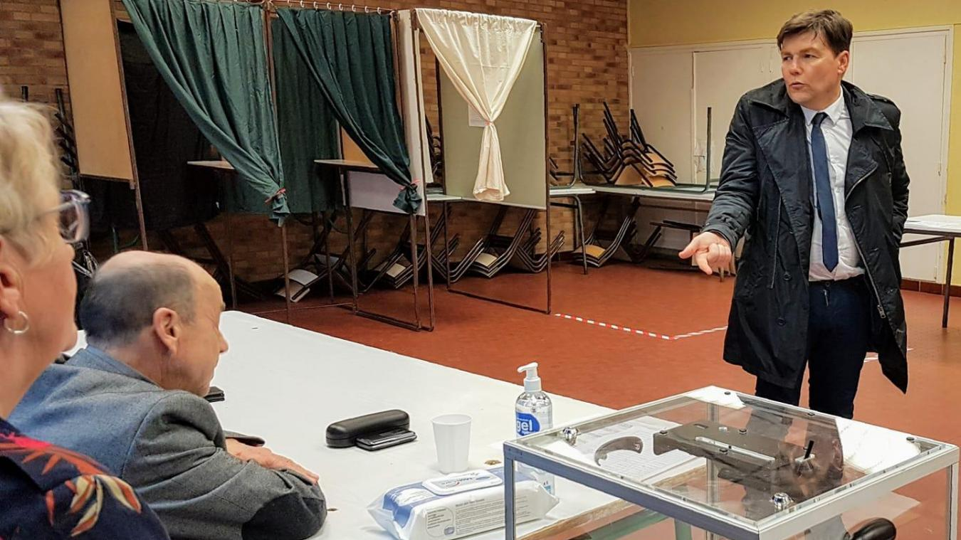 Plus de la moitié de l'équipe municipale a été contaminée lors du premier tour des élections.