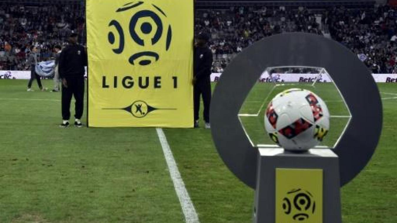 L'adjoint à la culture à Calais, Pascal Pestre, a une solution pour finir la Ligue 1