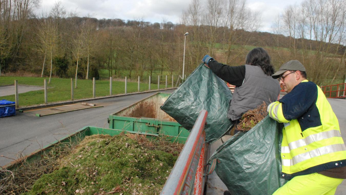 La collecte des déchets verts sera assurée par les élus.   © illustration