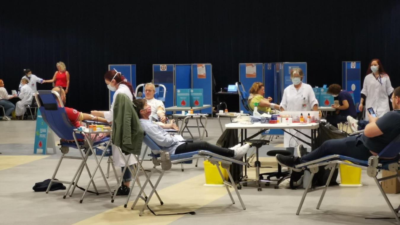 On faisait presque la queue jeudi et vendredi derniers pour venir donner son sang.
