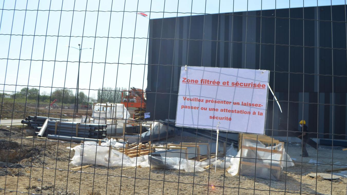 Pour relancer le chantier, Didier Bouttemy s'est assuré que les mesures barrières s'appliquent scrupuleusement.