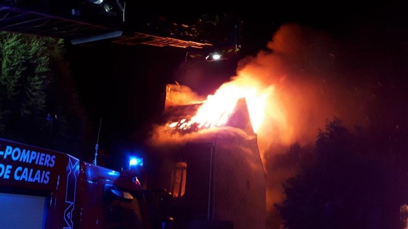 Les sapeurs-pompiers de Boulogne-sur-Mer et Marquise sont intervenus dès 5heures du matin.