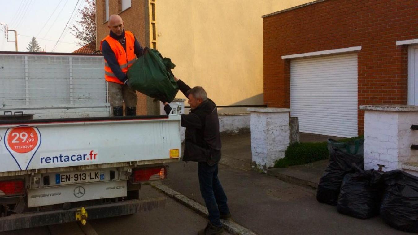 Douvrin: nouveau ramassage de déchets verts jeudi 23avril