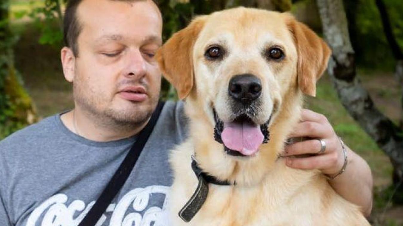 Olivier explique que son chien était tout pour lui. « Il était ma moitié, mes yeux, mon compagnon de vie. Ceux qui aiment les animaux peuvent aisément le comprendre. »