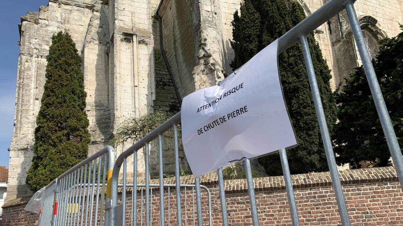 Isbergues : Des pierres de l'église tombent sur la chaussée