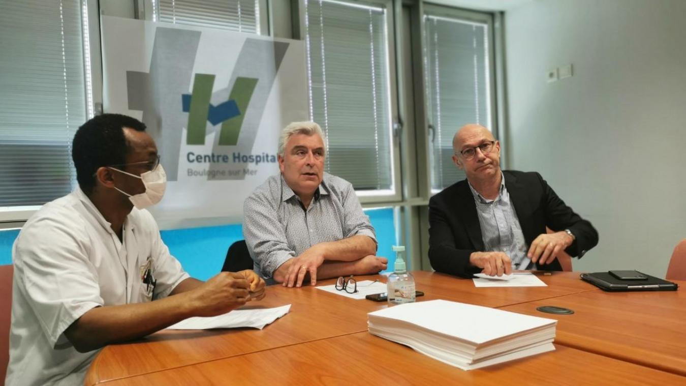 Éric Fodzo (président de la Commission médicale d'établissement), Frédéric Cuvillier (président du conseil d'administration de l'hôpital) et Yves Marlier, (directeur), ont fait le point sur l'état sanitaire du territoire.