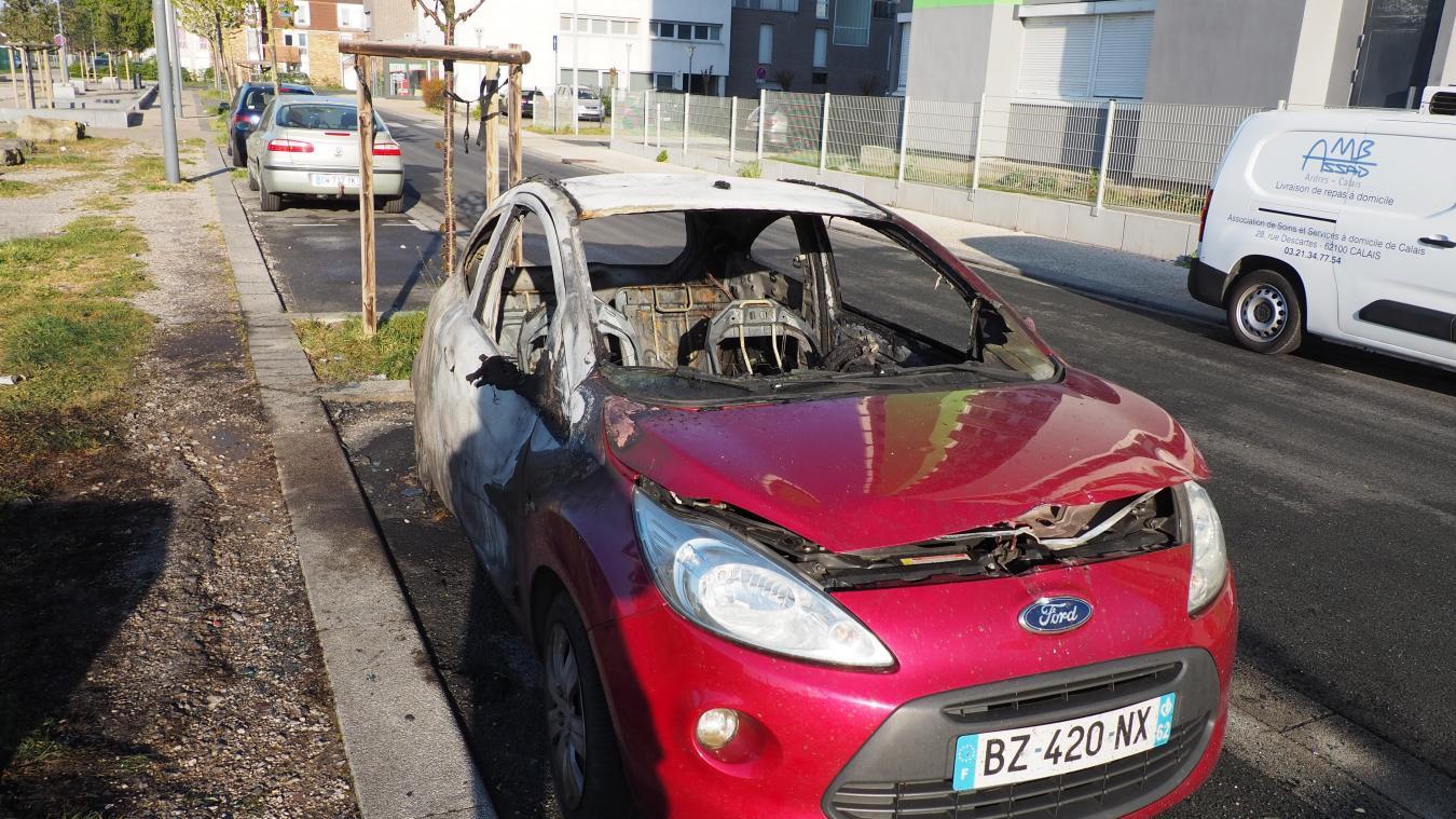La voiture a été incendiée durant la nuit de mercredi à jeudi.