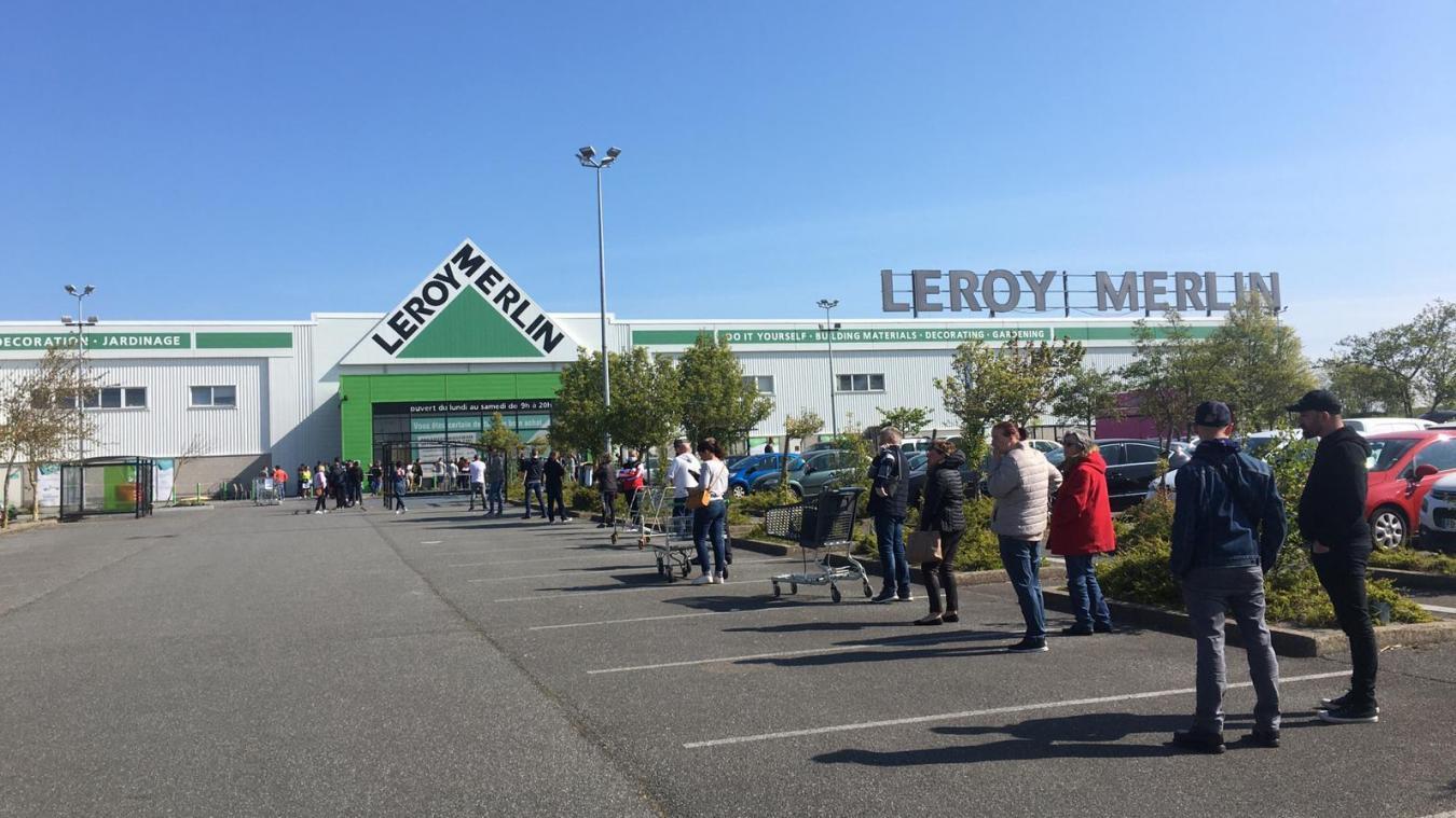 Leroy Merlin rouvre ce lundi à Calais, et il y a déjà foule