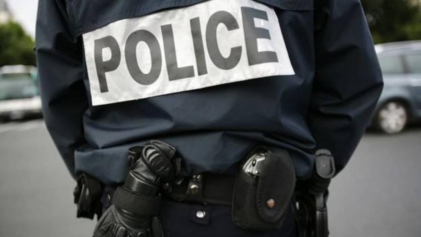 La police est intervenue pour interpeller l'individu.