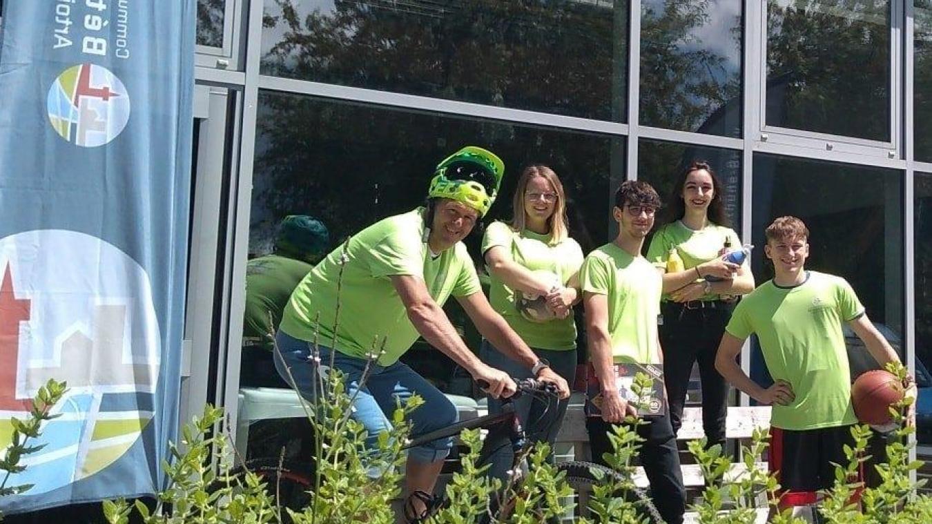 Voici l'équipe pédagogique du Centre ados qui va vous accompagner durant tout l'été.
