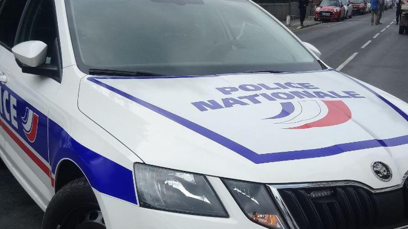 La police recherche activement les deux hommes. (photo d'illustration)
