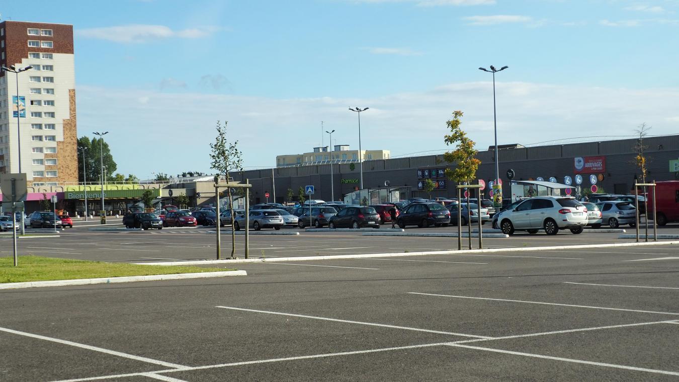 La jeune femme a été suivie sur le parking de Carrefour Mi-voix.