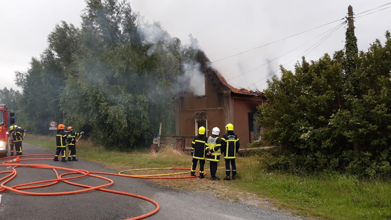 Brêmes-les-Ardres: Violent incendie dans une maison