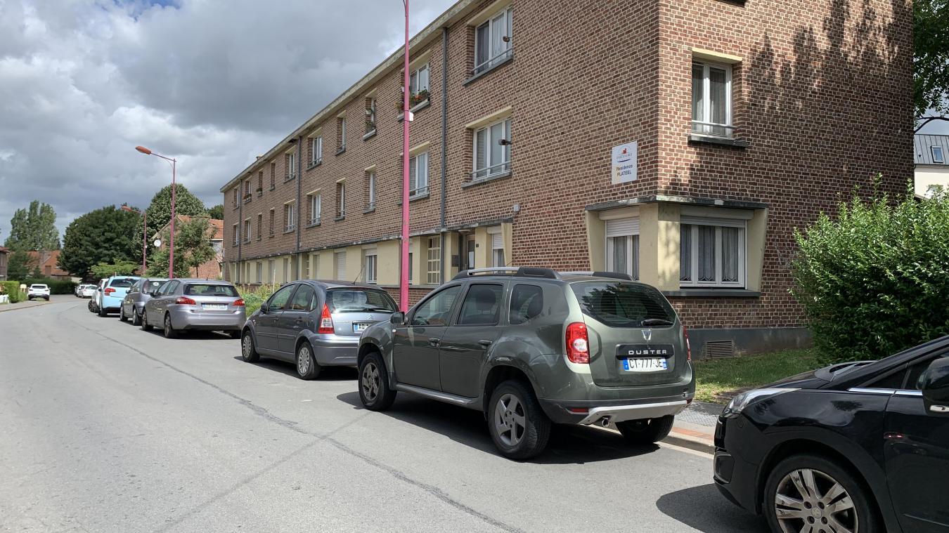 La rue Joseph-Elie Plateeel, située entre la gare et l'hôpital entre dans la zone bleue.