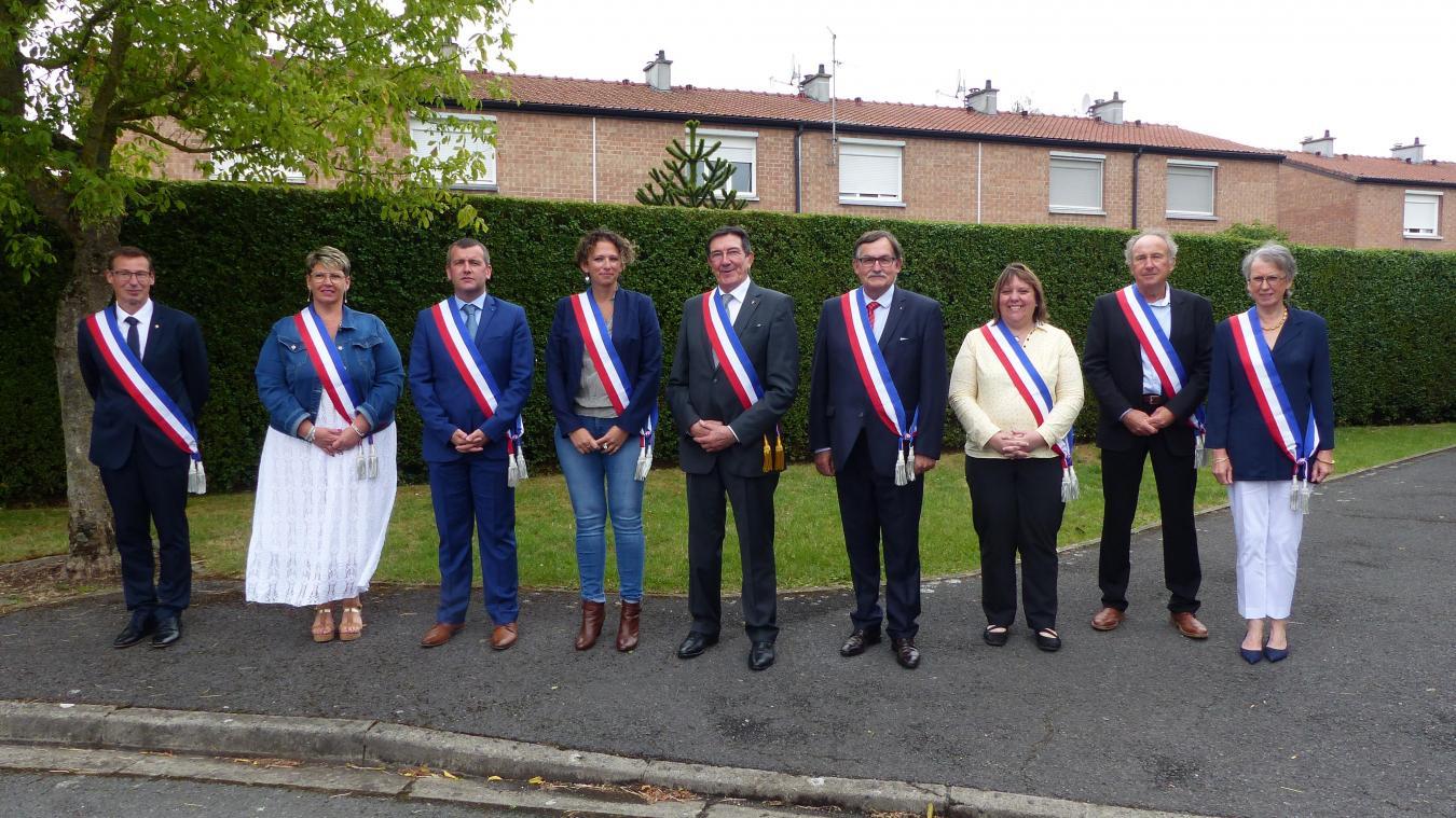 Roger Lemaire a été réélu maire de Nieppe. Il est entouré de huit adjoints pour les six prochaines années.