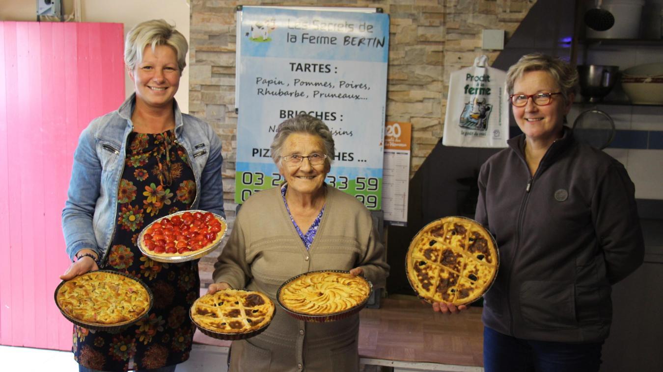 À Bournonville, chez les Bertin, on se transmet le secret de fabrication de la tarte au papin de génération en génération. Sur la photo : Amandine, Thérèse et Marianne.