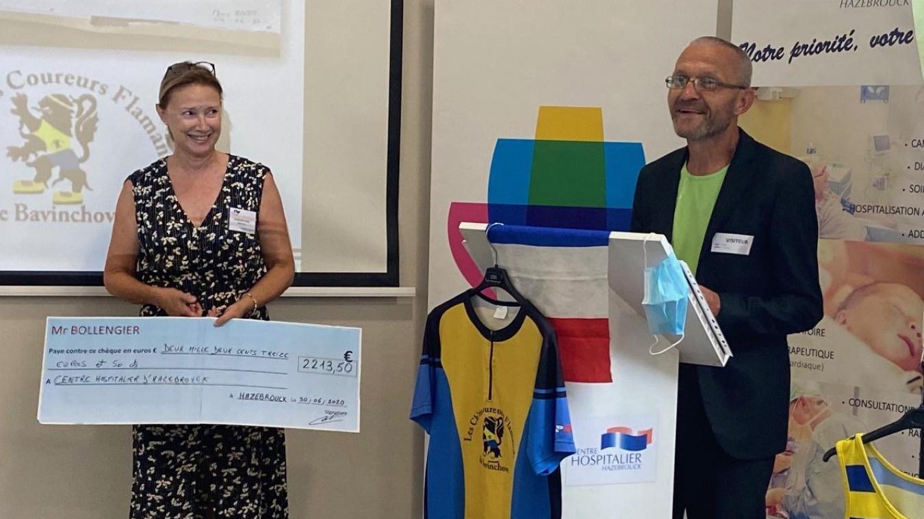 Lors d'une cérémonie, l'hôpital, dirigé par Sylvie Lecoustre, a remercié Christian Bollengier qui a vendu ses kilomètres au profit de l'hôpital.