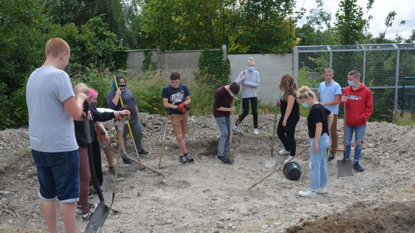 Bruay-la-Buissière: les élus du conseil municipal jeune veulent créer un biotope