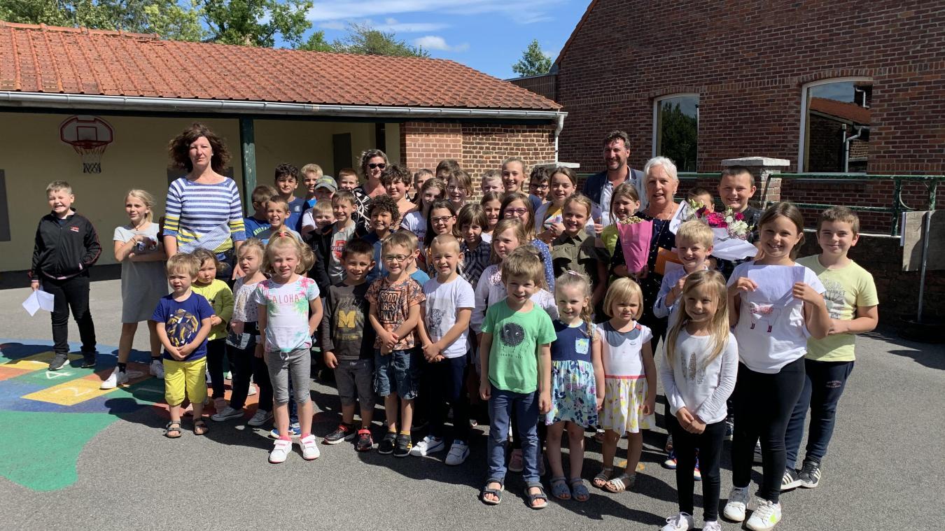 Les écoliers gardent une profonde affection pour Lucia Leroux qui les a tous accueilli lors de leur entrée en maternelle.