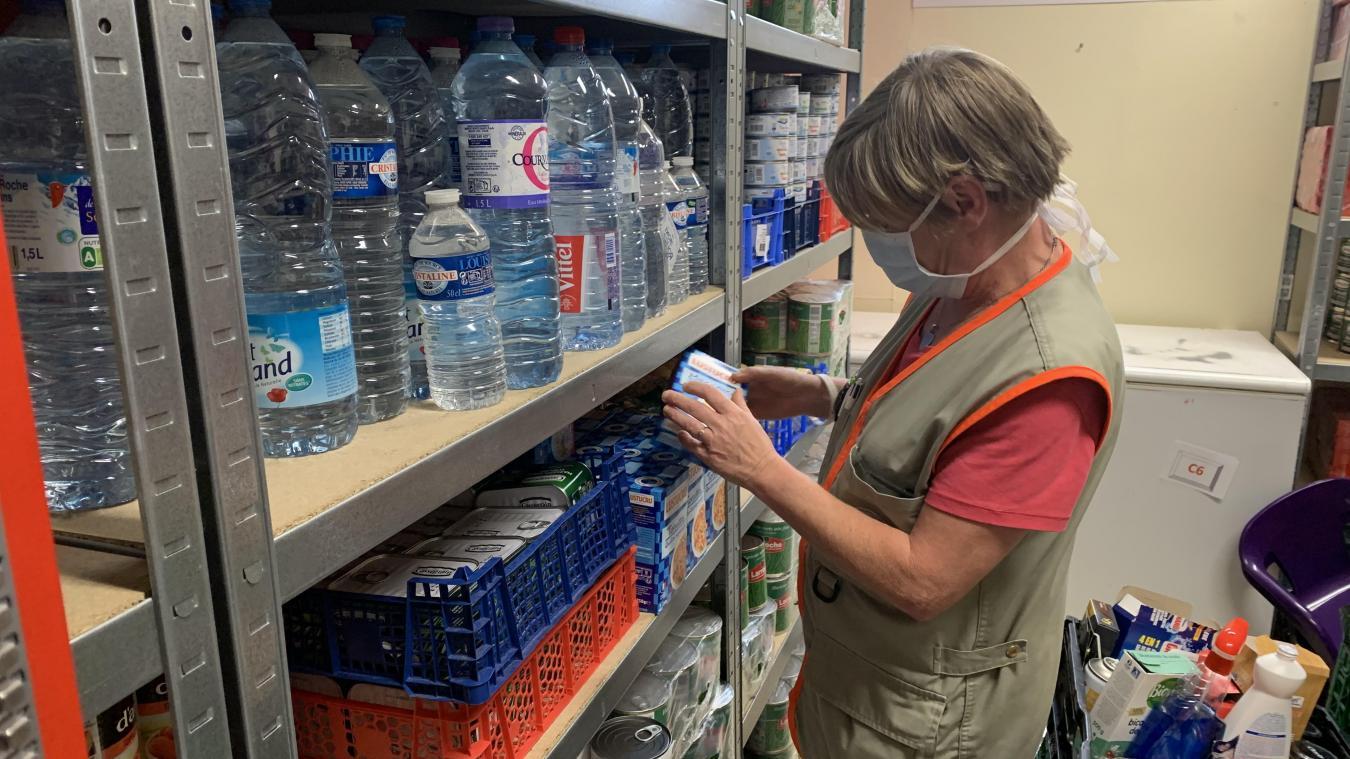 L'aide alimentaire fonctionne 5 jours sur 7, alors que trois distributions par semaine étaient assurées avant le confinement.