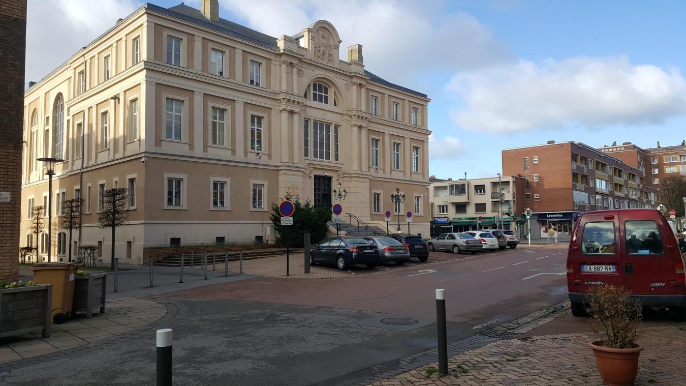 Le tract distribué en janvier 2020 a mené les élus pradellois jusque devant le tribunal de Dunkerque.