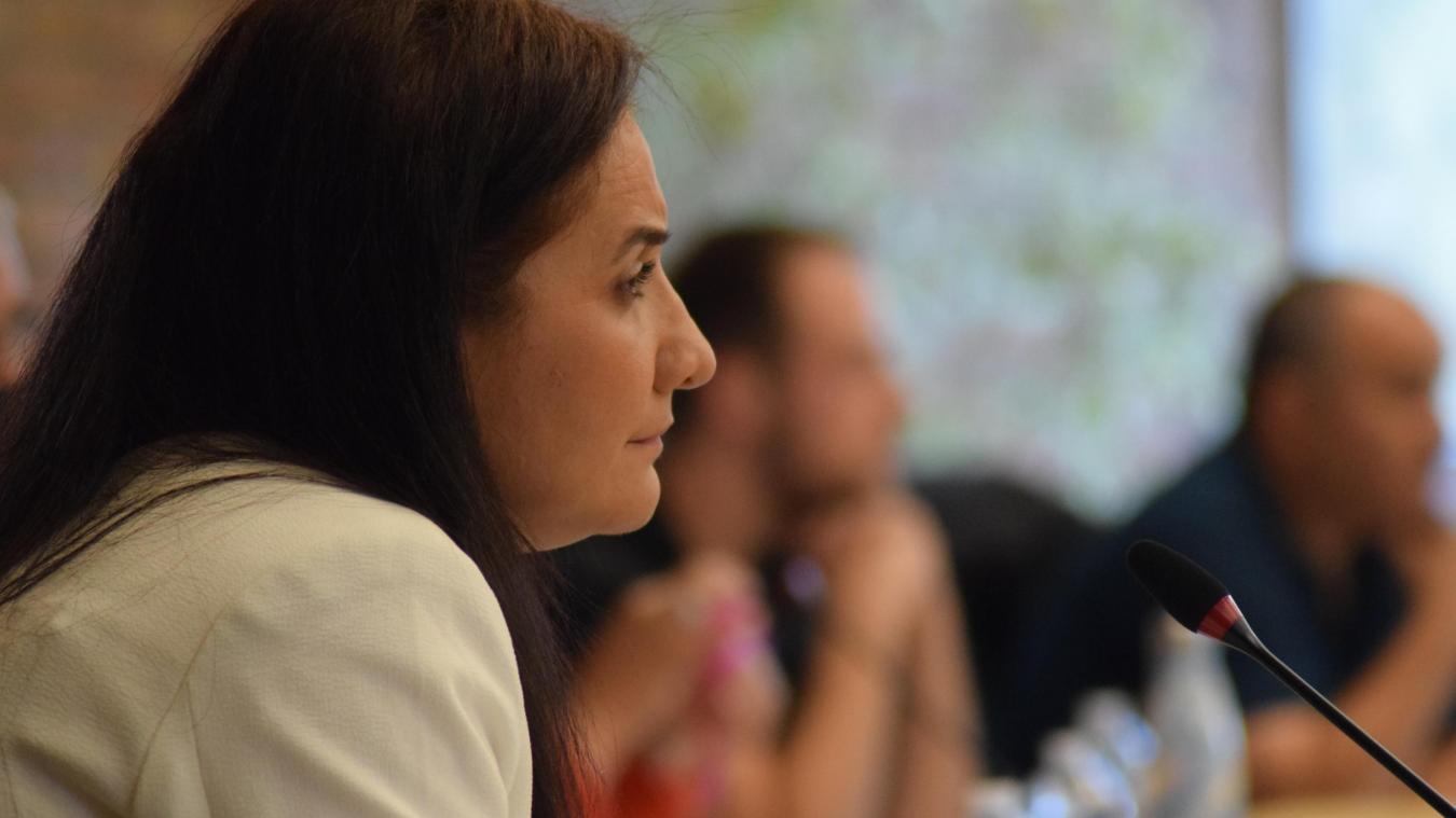 Najate Belkala s'est souciée de l'aide apportée par la Ville aux commerces et entreprises.