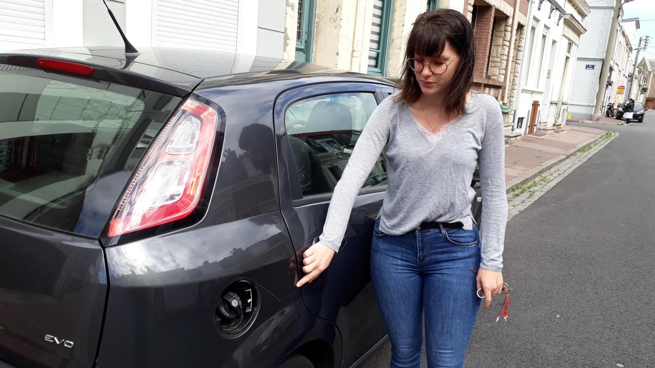 Amandine a déposé plusieurs plaintes suite à des dégradations sur sa voiture, qu'elle gare rue Champailler.