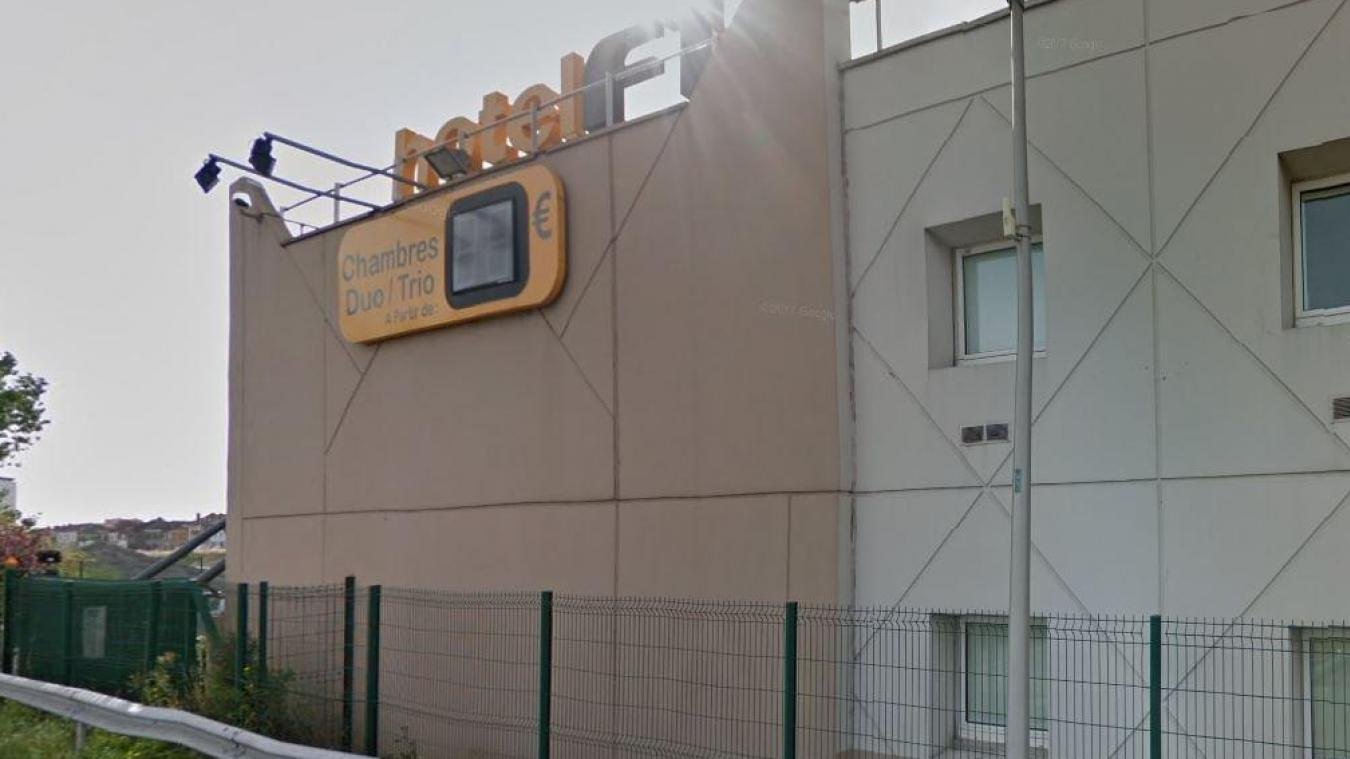 Une partie des faits s'est déroulé à l'hôtel Formule 1 de Saint-Pol-sur-Mer. C'est d'ailleurs le patron de l'établissement qui a alerté la police.